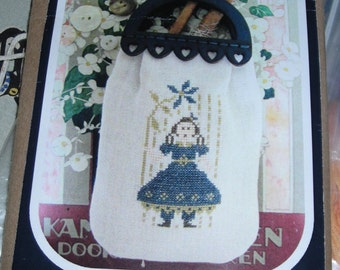 """2015 Nashville Trade Show Limited Release by Nikyscreations """"Girl Sewing Pouch"""" Kit"""