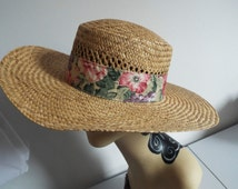 Vintage Ladies  Straw  Hat  Brimmed with open weave on Crown with cotton flower band above brim