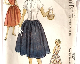 VINTAGE McCall's Sewing Pattern 9371 - Women's Clothes - Jacket and Dress, Size 10