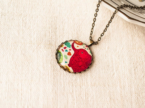 Pretty Vintage necklace pendant
