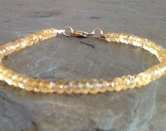 Golden Citrine w Gold Clasp Bracelet