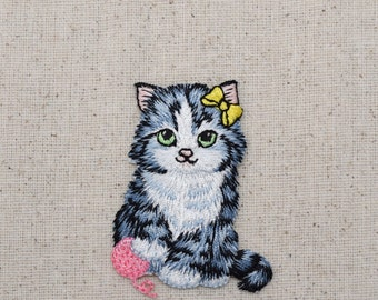 Cat with Pink Yarn Ball - Iron on Applique - Embroidered Patch - 157038A