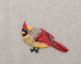 Cardinal - Bird - Female - Facing Left - Iron on Applique - Embroidered Patch - 693981A