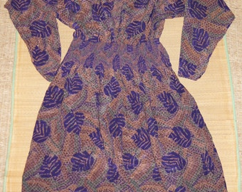 VIntage 1970's - Silk Maggy London Purple Dress with Leaves Size 10