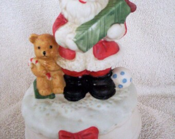 """Vintage Santa Music Box, Spins and Plays Great! """"Santa Claus Is Coming to Town"""""""