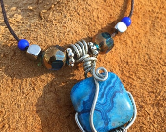 Wire-Wrapped Blue Agate Stone Pendant Necklace with Beads - Semi-Precious Blue Agate Stone Pendant Necklace Jewelry Accessory
