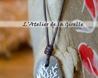Beach Stone Pendant - Necklace - The coral branch