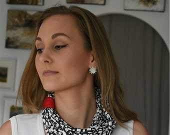Necklace - small - black / white / patterned / red