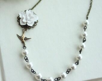 Wedding Necklace, White Flower Jewelry. White Bridesmaids Necklaces White Sakura Flower Necklace White Rustic Wedding, Winter Wedding Summer
