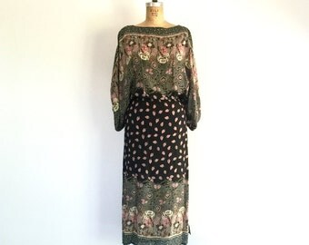 1970s Vintage Floral Print Midi Dress Sheer Black Boho Slit Poet Sleeve M