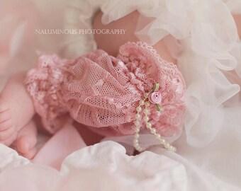 Newborn Pink Lace  Leg Warmers and Flower Headband, Newborn gift set, Baby Shower Gift Set, Photography Prop, Lace Leggings,Infant Leggings