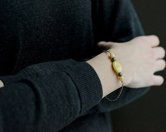 Butterscotch amber bracelet / Amber bracelet with brass chain