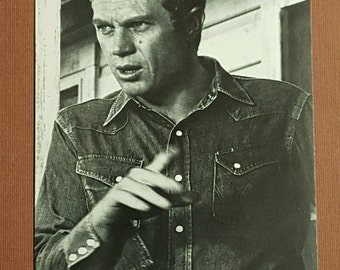 "Steve McQueen 4"" x 6"" black and white postcard"