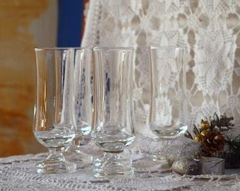 Cordial glassware- Six glasses -70's Glassware- serveware with pedestal set of five -  - French glass