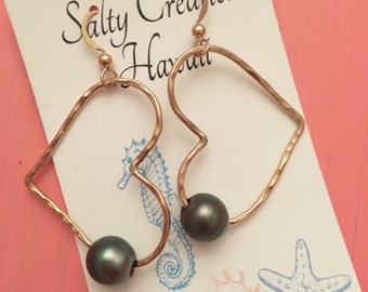 14 k gold filled heart shaped earring with 9mm Tahitian pearls