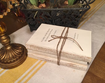 Farmhouse Decor, White Books, French Country, Neutral Books, Beige Books, Rustic Wedding Table, Distressed, Coverless Books, Rustic Painted
