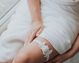 Ivory Floral Wedding Garter | Boho Lace Garter | Bridal Garter | Flower Garter [Petite Azalea Garter]