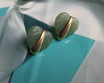 Vintage Green Carved Lucite Heart Earrings - 1960s Clipon earring - EPSTEAM -Jade Lucite & gold earrings - vintage earrings - 1960's jewelry