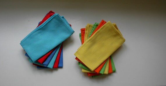 Set of 12 Solid Color Cotton Cloth Napkins for a Vintage Modern or Mid Century Dining Holiday Table