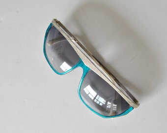 80s Morel Eyewear Sunglasses in Turquoise and White Snakeskin