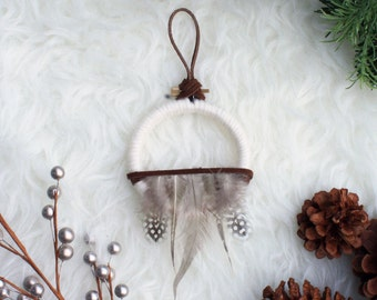 Modern Cabin Decor, Boho Cabin Wall Hanging, White Rustic Dreamcatcher, Holiday Cabin Gift, Winter Home Decor, Winter White Dream Catcher