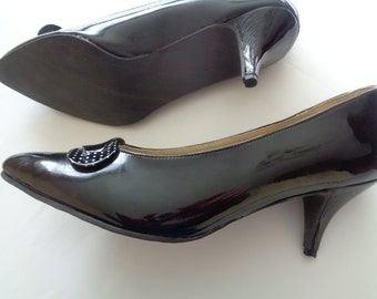 Womens heels, Womens Shoes Size 10-10,5 , High Heels, Vintage Heels, Black Heels, Kitten Heels, Kitten Heel Shoes, Low Heels,Black Shoes