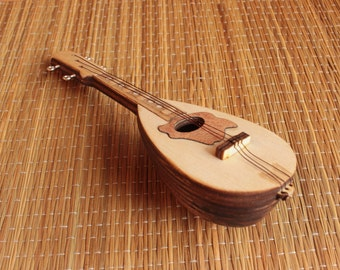 Mandolin - miniature replica - present