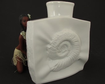 "Large vintage Op-art bisque porcelain vase / Tirschenreuth (Hutschenreuther) / ""Ammonite"" 