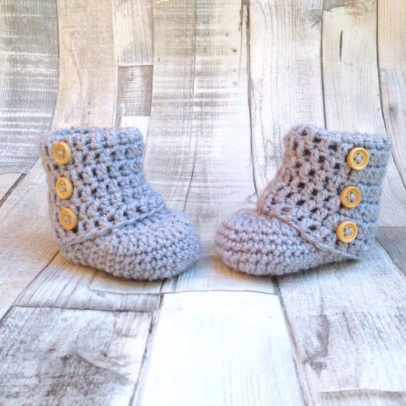 Unisex booties grey crocheted boots gender neutral booties photo prop baby shower newborn 0-3 3-6 grey boots baby shoes gift present