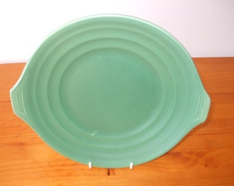 Wedgwood Matt Green eared bread/serving plate