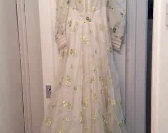 Vintage 70s Wedding Dress Retro Flower Embroidered Designer Pret A Porter M 12