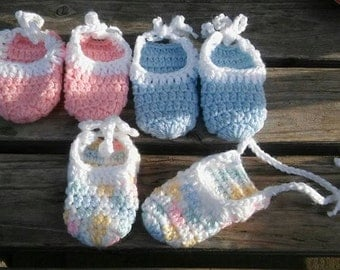 Preemie and Newborn size Booties