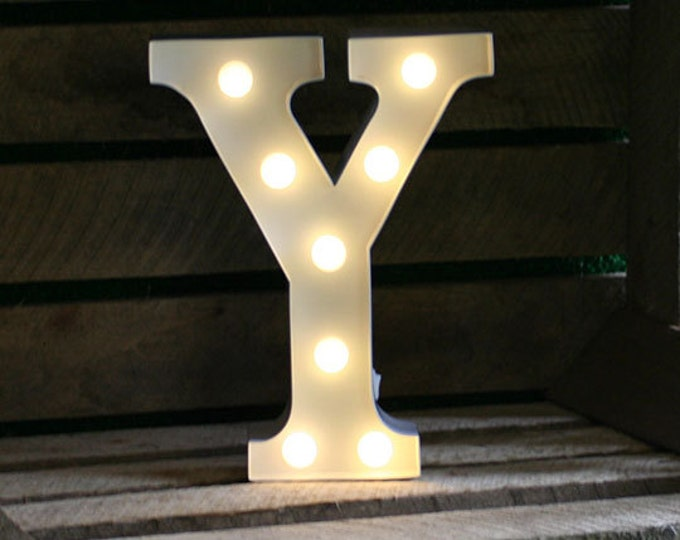 Vintage Carnival Style Marquee Light, Light up Letter Y - Battery Operated/Various Colours - Perfect Night Light/Gift/Wedding Decor