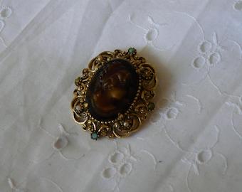 vintage,françàise, cameo brooch