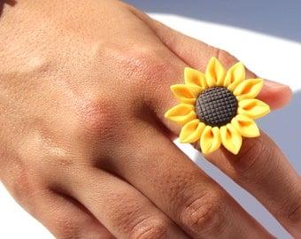 Sunflower ring summer ring flower ring yellow ring summer jewellery sunflower gardener gift statement ring bold ring kitsch ring