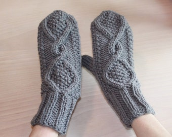 Womens knit mittens with Aran style motif
