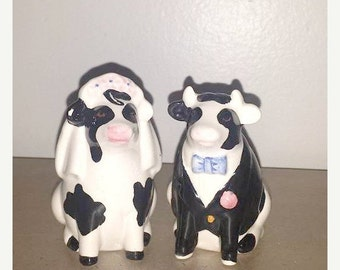 Vintage Bride & Groom Cow Shakers, Cow Salt and Pepper Shaker Set,Mr and Mrs Cow Shakers,Farmhouse,Country Decor,Cow,Kitsch,Bride and Groom