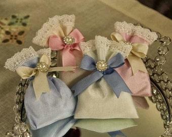 Satin lavender sachet * Wedding / party favors