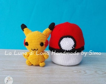 Doll Pikachu and Pokeball amigurumi