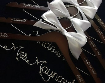 SET OF 5 Personalized wedding hangers rose flower,  Bride hangers, wedding dress hangers