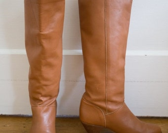 Summer Sale Vintage 1970's (Mint Condition) Frye Boots Size-6