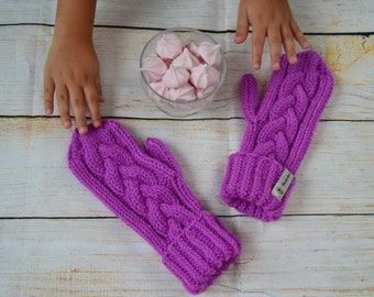 Hand knitted mittens, magenta, hand knitted gloves,pink cable knit mittens, dark pink,chunky mittens,winter accessories,knitted hand warmers