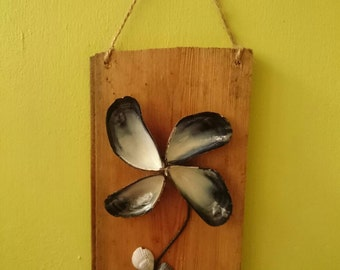 Shell flower wall hanging
