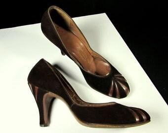 40s art deco leather suede fan vintage shoes pumps   1940s suit dress pumps degoya de goya   unique fan inserts size 8.5