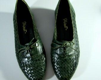 7.5 deadstock 80s woven leather oxfords vintage Nine West shoes | 7 1/2 lace up tie flats Brazil old school | 1980s preppy preppie campus