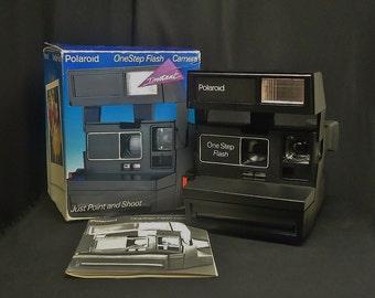 Vintage POLAROID 600 OneStep Flash Instant Print Film Camera, Circa: 1980's, Mighty Clean!!