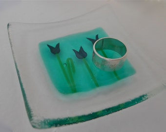 Fused glass ring dish. Fused glass trinket dish. Fused glass gardeners gift. Tulip dish. Teachers gift. birthday gift