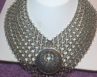 Chainmail Choker with Medalion