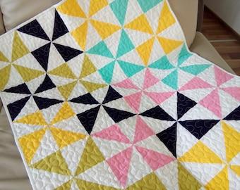 Baby Quilt / Crib Quilt / Baby Blanket / Baby Shower Gift / Modern Baby Quilt / Crib Bedding / Nursery Decor / Baby Gift
