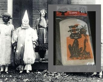 Vintage Trick or Treat Halloween Bags in Original Package, 40 Count, Unopened